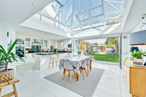Walton Park Lane, Walton-On-Thames, Surrey, KT12. 4 bedroom semi-detached house for sale
