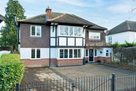 Garrick Close, Walton-On-Thames, Surrey, KT12. 5 bedroom detached house for sale