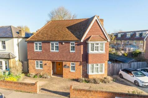 Hersham Road, Walton-On-Thames, Surrey, KT12. 4 bedroom detached house for sale
