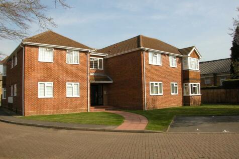 Reade Court, Victoria Road, Farnham Common, SL2. 1 bedroom flat