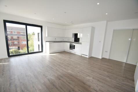 Oak End Way, Gerrards Cross, SL9. 2 bedroom flat
