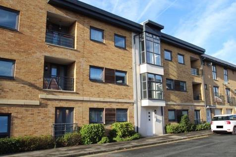Pasteur Drive, Old Town, Swindon. 2 bedroom flat for sale