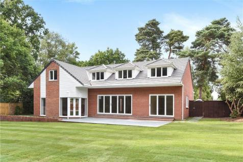 Nine Mile Ride, Finchampstead, Wokingham. 5 bedroom detached house for sale