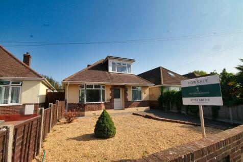 Mellstock Road, Poole. 3 bedroom detached bungalow