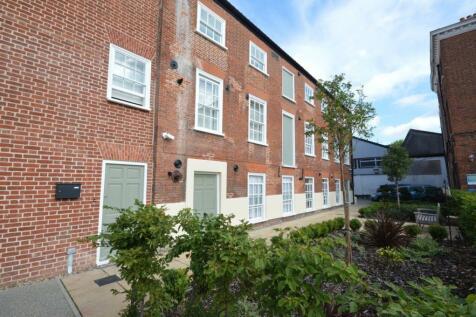 Weavers House, 73 Mountergate, Norwich, NR1. 3 bedroom ground floor flat for sale