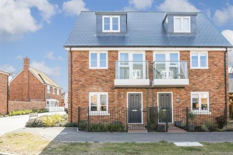 Greystone Square, Wouldham. 3 bedroom semi-detached house