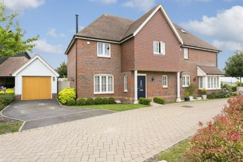 Cyril West Lane, Ditton, Aylesford. 3 bedroom semi-detached house