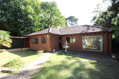 Western Road, Canford Cliffs, Poole, Dorset, BH13. 3 bedroom bungalow