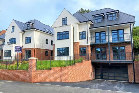 Penn Hill Avenue, Lower Parkstone, Poole, Dorset, BH14. 2 bedroom apartment