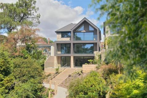 Clifton Road, Lower Parkstone, Poole, Dorset, BH14. 4 bedroom detached house