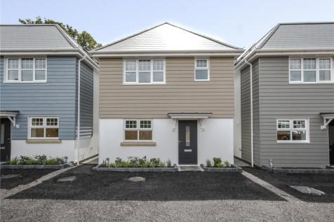 Vandeleur Close, Oakdale, Poole, Dorset, BH15. 3 bedroom detached house