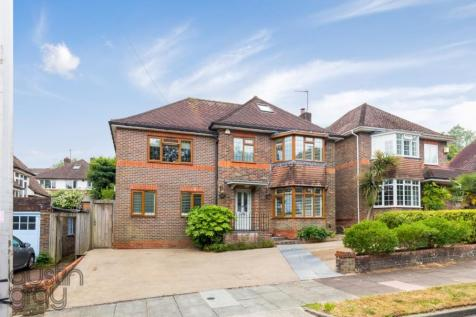 Valley Drive, BN1. 5 bedroom detached house