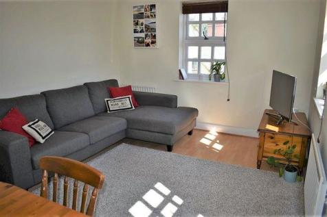 Davy Court, Rochester. 2 bedroom apartment for sale