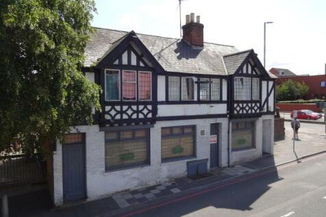 Dunstable Place, Luton, LU1. Detached house for sale