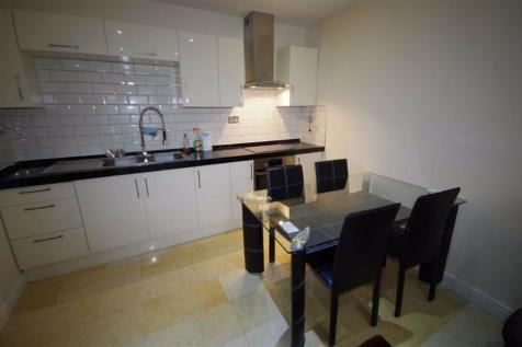 Cumberland House, 17a Crown Street, Halifax. 2 bedroom apartment