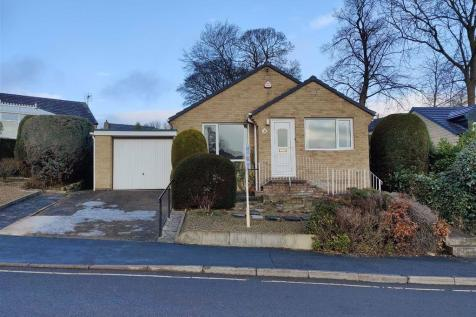 Wellgarth, Well Head, Halifax. 3 bedroom detached bungalow for sale