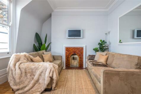 Churston Mansions, 176 Gray's Inn Road, London, WC1X. 2 bedroom penthouse