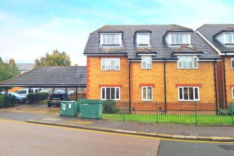 TWO BEDROOM FLAT, TYLERS COURT, WESTBURY ROAD, WALTHAMSTOW E17 GUide - £325,000. 2 bedroom ground floor flat for sale