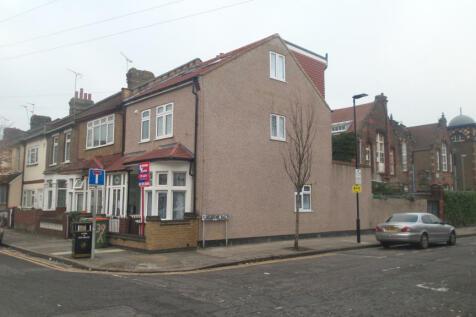 Hilda Road, London, E16. 5 bedroom end of terrace house