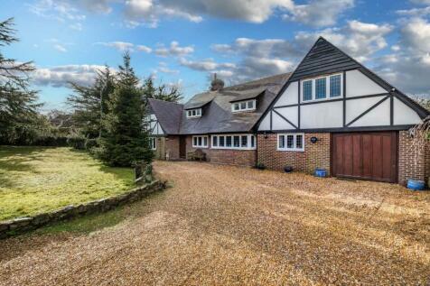 Fishbourne Lane, Fishbourne, PO33 4EZ. 5 bedroom detached house for sale