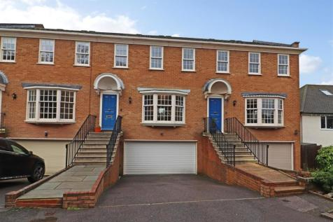 Pendleton Close, Redhill. 4 bedroom terraced house for sale