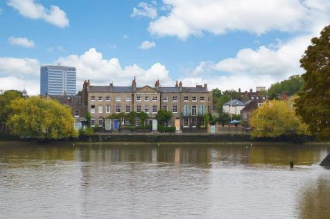 Strand On The Green, Chiswick W4. 4 bedroom house