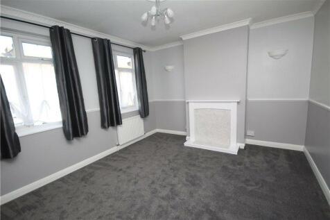 Southcroft Road, Streatham, SW16. 4 bedroom maisonette