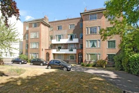 Newlands Court, Streatham Common North, London, SW16. 2 bedroom apartment