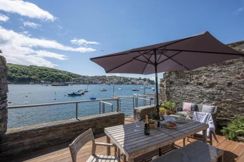 Fowey Waterfront. 4 bedroom house