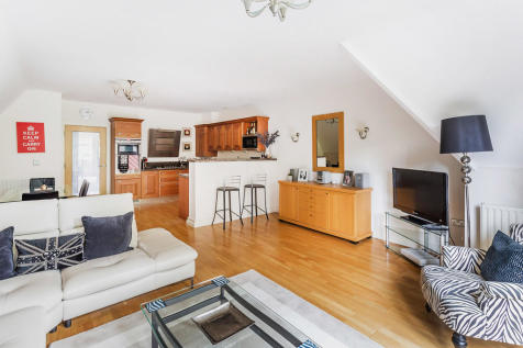 Blanford Road, Reigate. 3 bedroom penthouse for sale