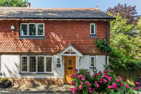 Church Walk, Bletchingley. 3 bedroom end of terrace house