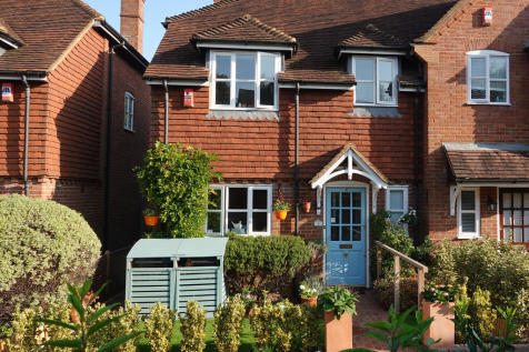 Little Common Lane, Bletchingley. 3 bedroom semi-detached house