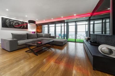 Beetham Tower, Holloway Circus, Birmingham. 2 bedroom penthouse for sale