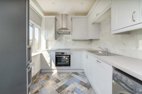 Gunnersbury Avenue. 2 bedroom apartment