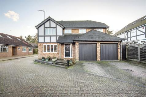 Dukes Ride, Ickenham, Middlesex, UB10. 4 bedroom detached house for sale