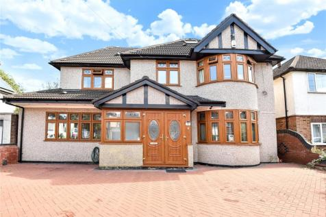Elm Avenue, Ruislip, Middlesex, HA4. 4 bedroom detached house for sale