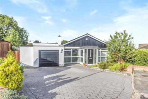 Whitstable Close, Ruislip, Middlesex, HA4. 5 bedroom bungalow for sale