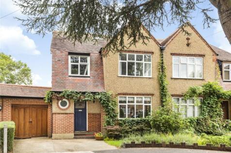 Deane Way, Ruislip, Middlesex, HA4. 4 bedroom semi-detached house
