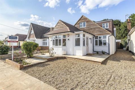 Keswick Gardens, Ruislip, Middlesex, HA4. 4 bedroom bungalow