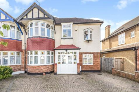 St. Margarets Road, Ruislip, Middlesex, HA4. 4 bedroom semi-detached house