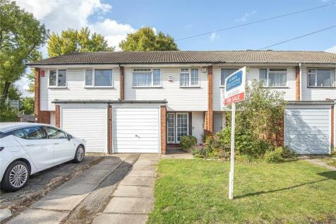 Lawrence Drive, Ickenham, Uxbridge, UB10. 3 bedroom terraced house for sale