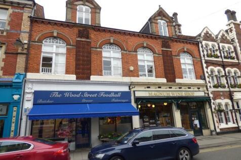Wood Street, Swindon. 2 bedroom flat