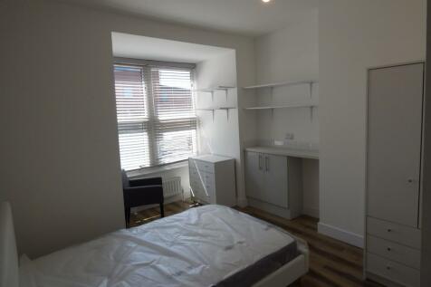 Victoria Road, Swindon. 1 bedroom house share