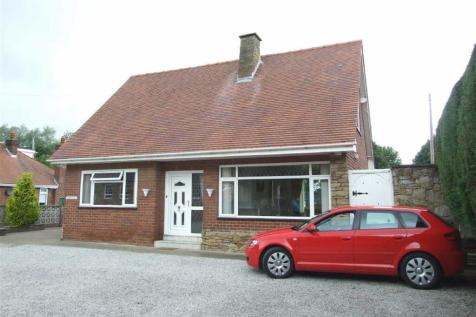 High Street, Bagillt, Flintshire, CH6, North Wales - Detached Bungalow / 3 bedroom detached bungalow for sale / £189,950