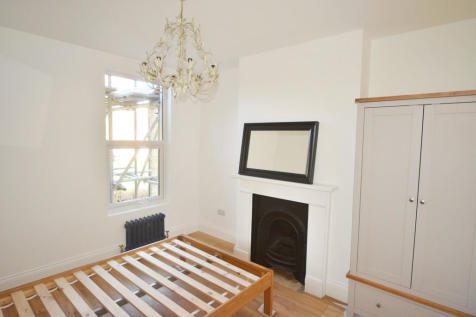 Martaban Road, London, N16. 5 bedroom house share