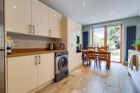 Bakers Avenue, London E17. 4 bedroom terraced house for sale