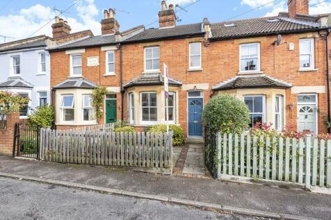 Upper Village Road, Sunninghill, SL5. 2 bedroom cottage