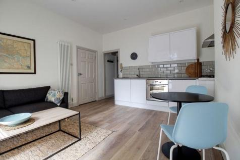 Muirfield Close, Reading. 1 bedroom apartment