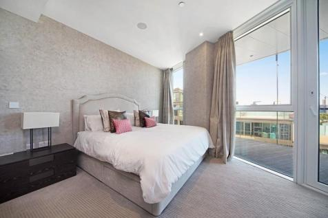 Pinnacle House, Battersea Reach. 3 bedroom apartment