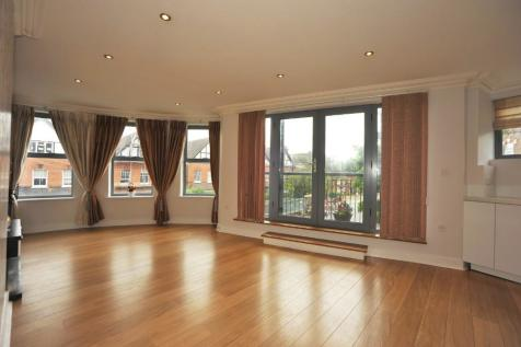 High Road, Woodford Green, Essex, IG8. 2 bedroom apartment